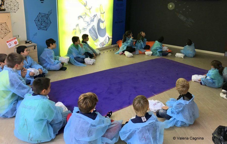 bambini e ragazzi dreamers al centro il cerchio permette di esprimersi