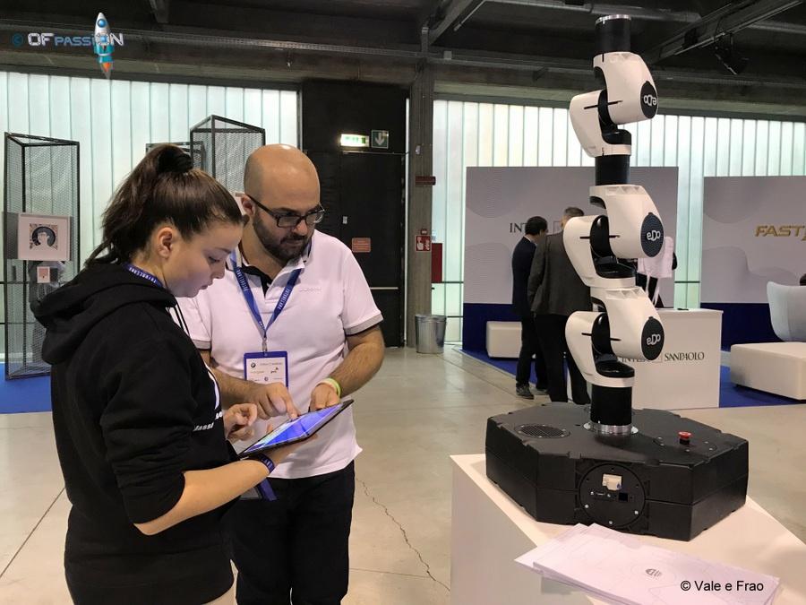 robot valeria cagnina Futureland Milano visita stand