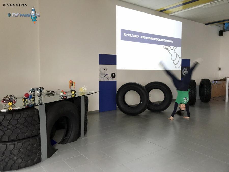 preparazione introduzione laboratori di robotica per team building e formazione in azienda michelin alessandria ofpassion