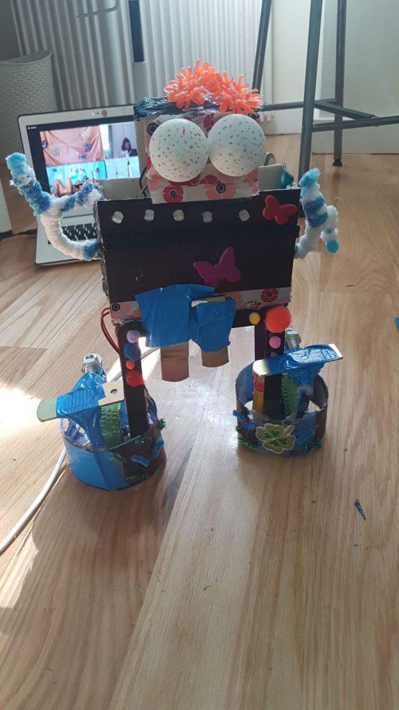 phygital autunno tech robot decorazione creatività valeria francesco